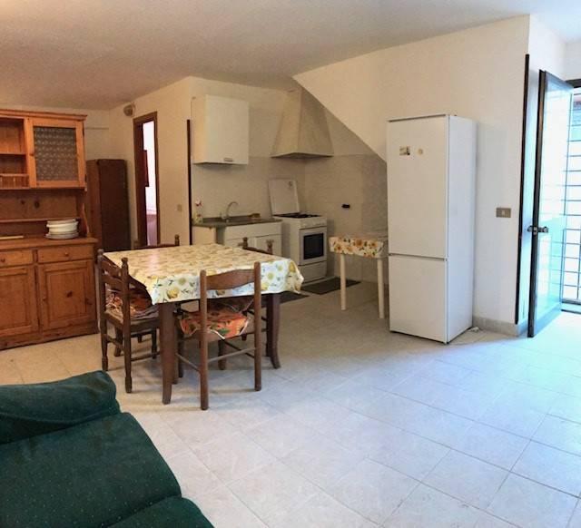 Appartamento in buone condizioni arredato in affitto Rif. 8297318
