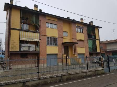 Appartamento in buone condizioni parzialmente arredato in vendita Rif. 8297493