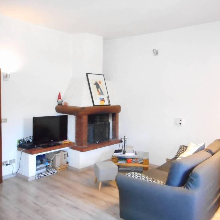 Appartamento in ottime condizioni in vendita Rif. 8297246