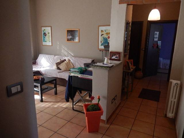 Appartamento in buone condizioni in vendita Rif. 8296154