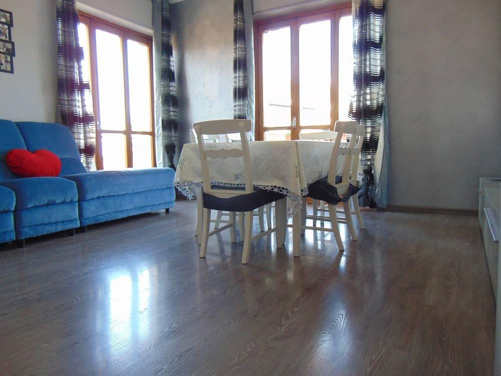 Appartamento in ottime condizioni in vendita Rif. 8297650
