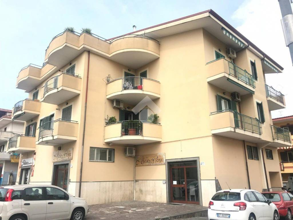 Appartamento in ottime condizioni in vendita Rif. 9226290