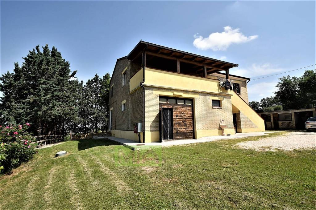 Rustico / Casale in ottime condizioni in vendita Rif. 8733444