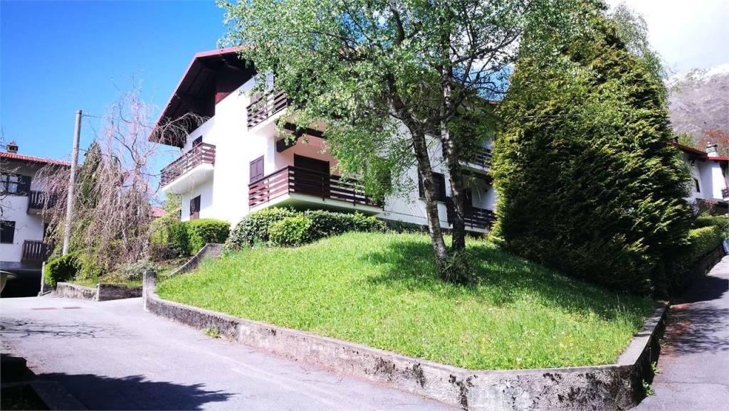 Appartamento in buone condizioni arredato in vendita Rif. 9139568