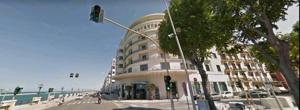 Bari, Zona Umbertina, fronte mare, panoramico quadrivani.