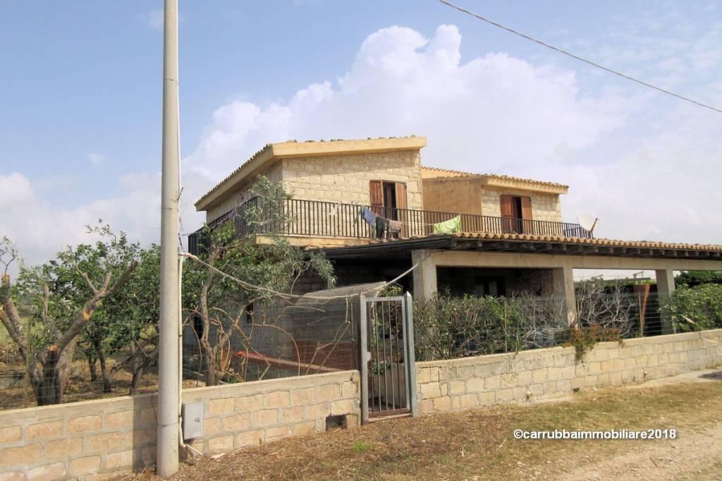 Casa indipendente in Vendita a Scicli Periferia: 5 locali, 256 mq