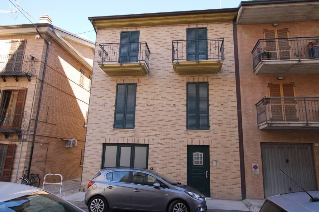 Casa Indipendente in vendita Rif. 8303648