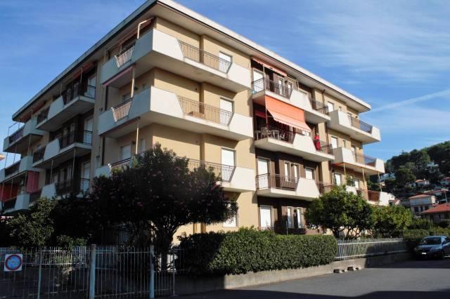 Appartamento in Vendita a Andora Centro: 2 locali, 60 mq