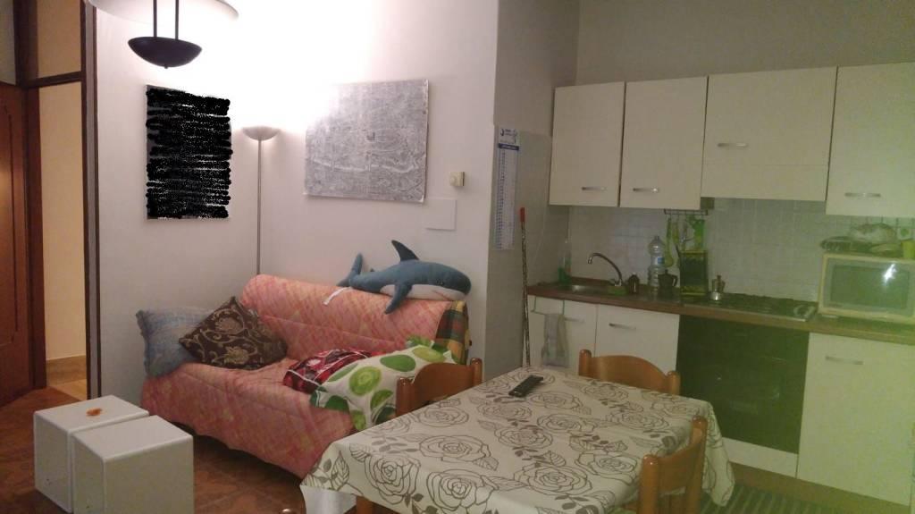 Appartamento in buone condizioni arredato in affitto Rif. 8268529