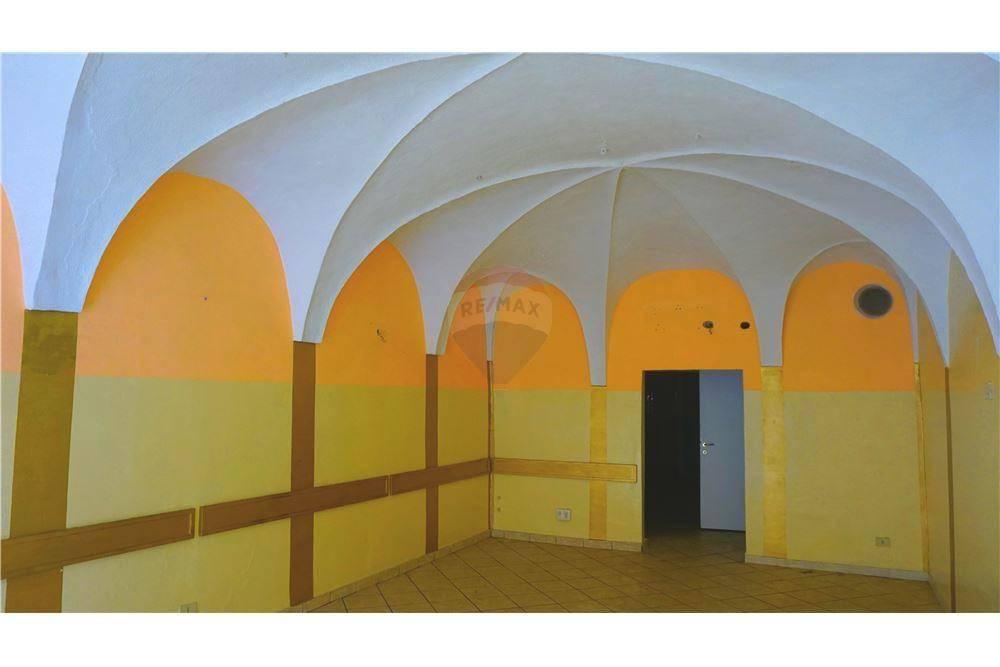 Negozio / Locale in affitto a Bagnolo Mella, 3 locali, prezzo € 650 | CambioCasa.it