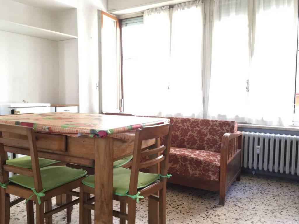 Appartamento in buone condizioni parzialmente arredato in affitto Rif. 8311294