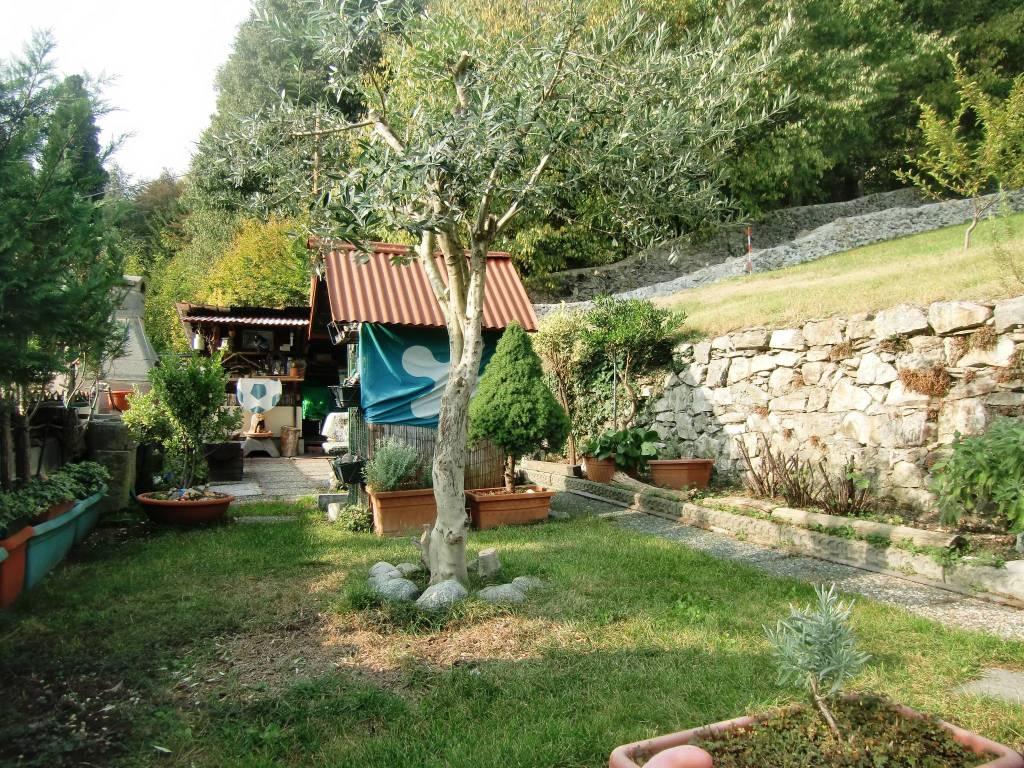 Appartamento in vendita a Longone al Segrino, 3 locali, prezzo € 92.000 | CambioCasa.it