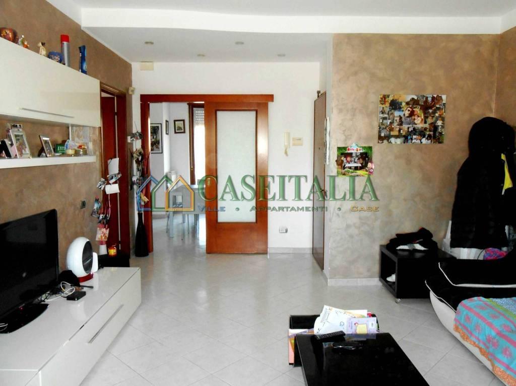 Appartamento in ottime condizioni in vendita Rif. 6126298