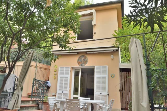 Casa Indipendente in Affitto a Finale Ligure