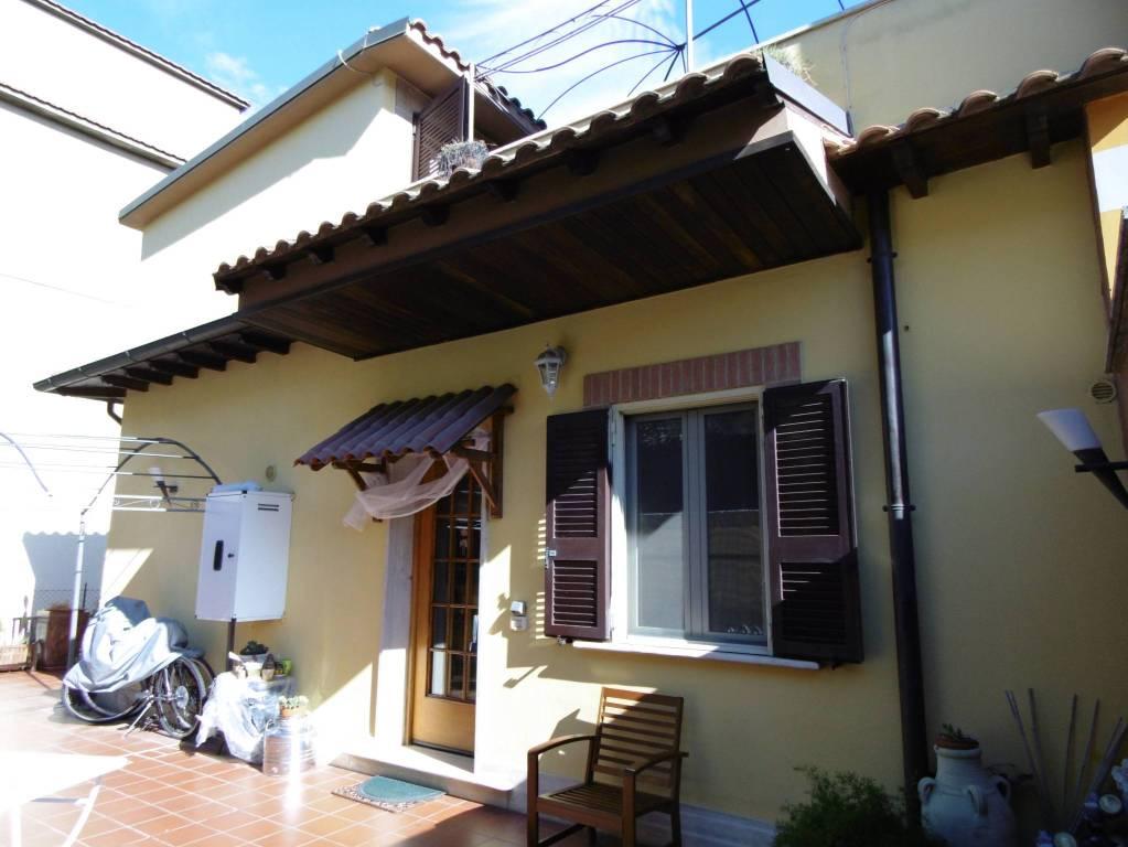 Appartamento in ottime condizioni in vendita Rif. 8314656