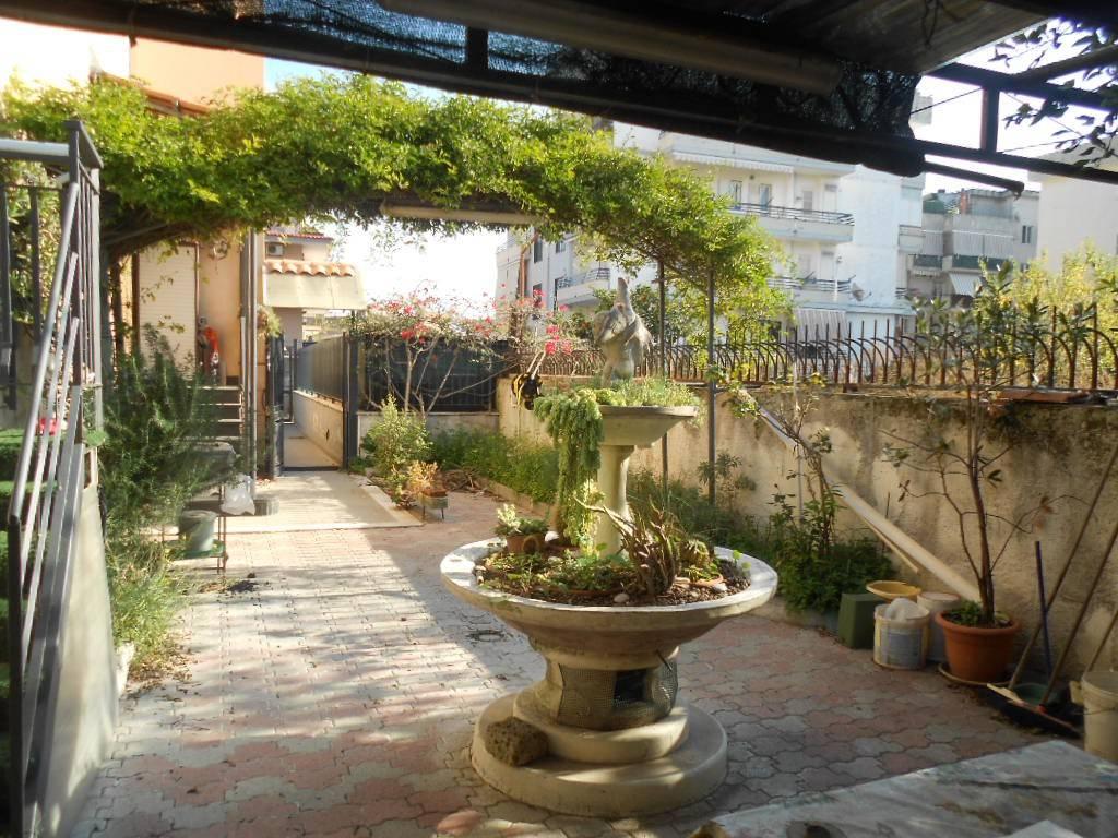 Appartamento in buone condizioni in vendita Rif. 8311574