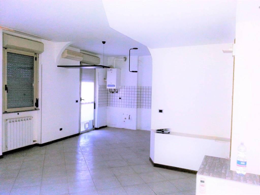 Appartamento in buone condizioni in vendita Rif. 8313585