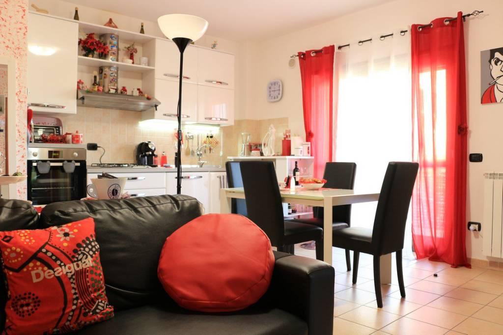 Appartamento parzialmente arredato in vendita Rif. 8311563