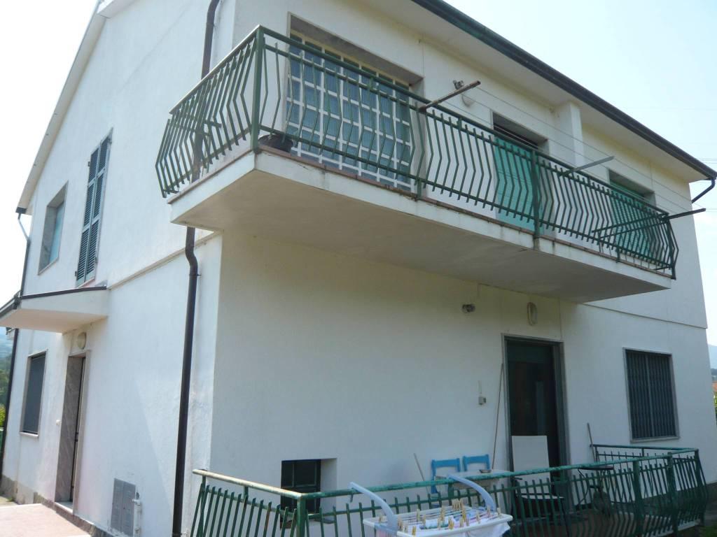 Appartamento in buone condizioni arredato in vendita Rif. 8337690