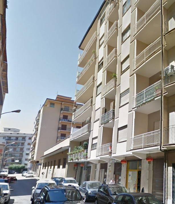 Nicastro-Magazzino uso commerciale Via Trento Rif. 8269026