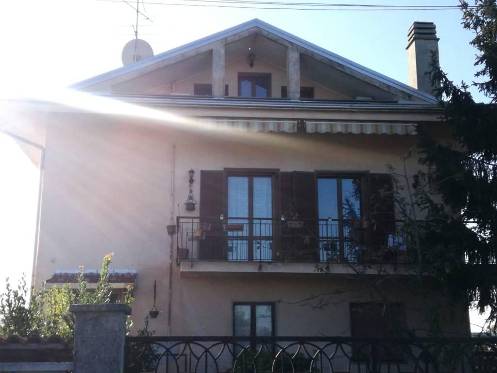 Appartamento in buone condizioni arredato in affitto Rif. 8311654