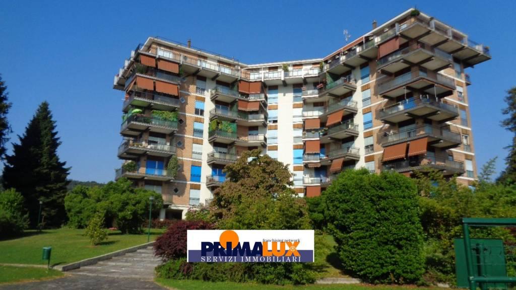 Appartamento in buone condizioni in vendita Rif. 8313759