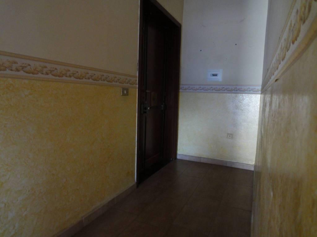 Appartamento in buone condizioni in affitto Rif. 8303882