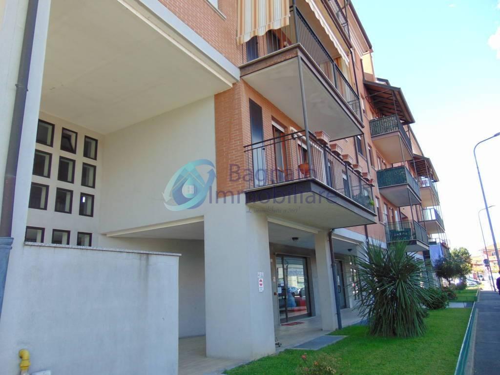 Appartamento in buone condizioni in vendita Rif. 8313006
