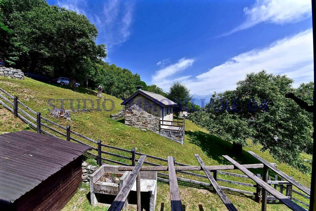Appartamento in vendita a Pianello del Lario, 3 locali, prezzo € 290.000 | CambioCasa.it