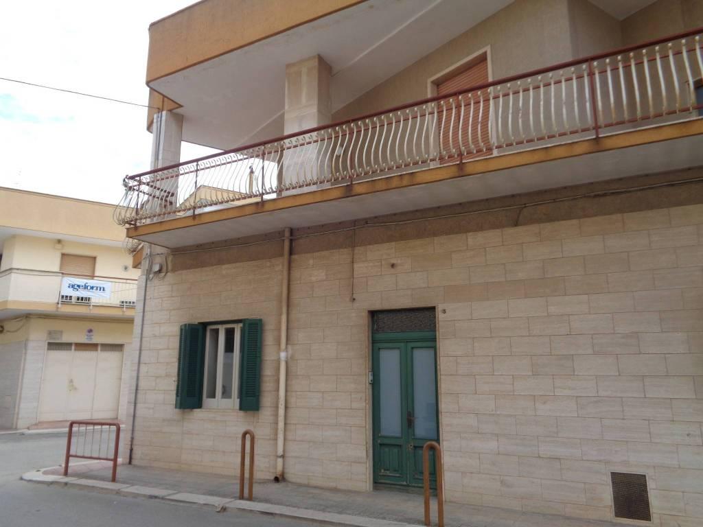 Appartamento in ottime condizioni parzialmente arredato in affitto Rif. 8325173