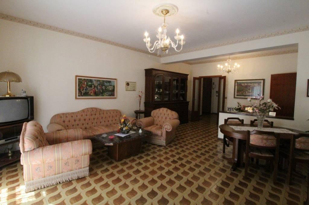 Appartamento in ottime condizioni in vendita Rif. 8324515