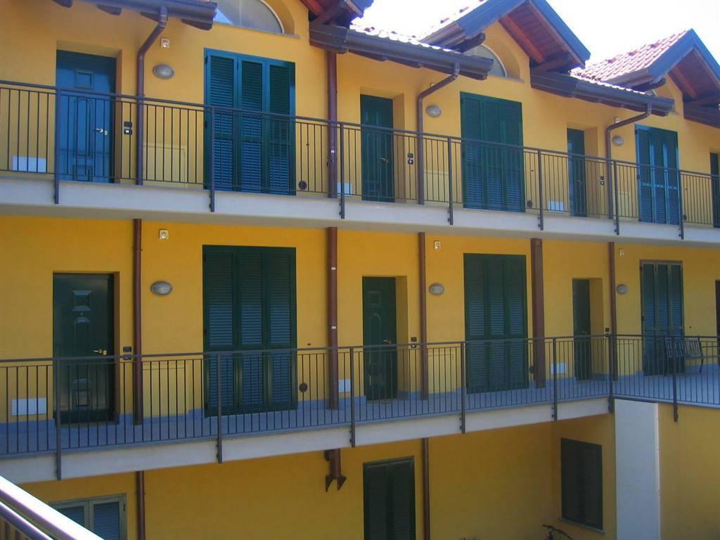 Appartamento in buone condizioni arredato in affitto Rif. 8327260