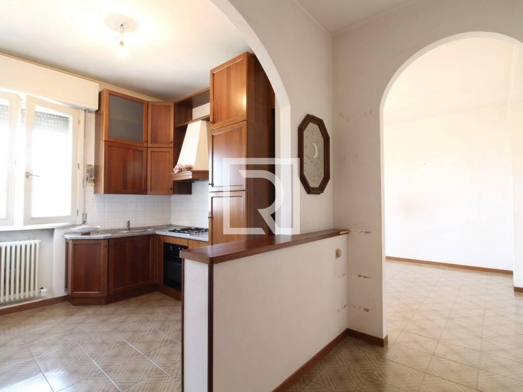 Appartamento in ottime condizioni in affitto Rif. 8360812