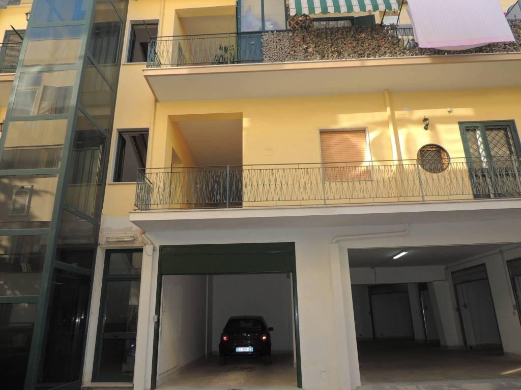 Appartamento in ottime condizioni in vendita Rif. 7795889