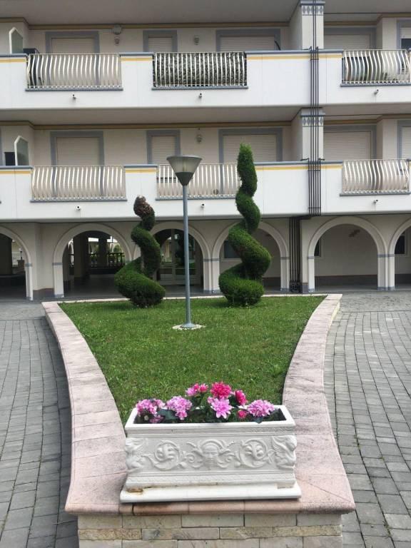 Appartamento in ottime condizioni in vendita Rif. 8328446