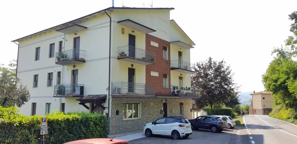 Appartamento in ottime condizioni in vendita Rif. 8326528
