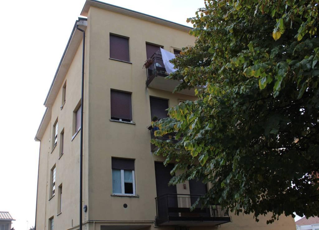 Appartamento in ottime condizioni in affitto Rif. 8325123