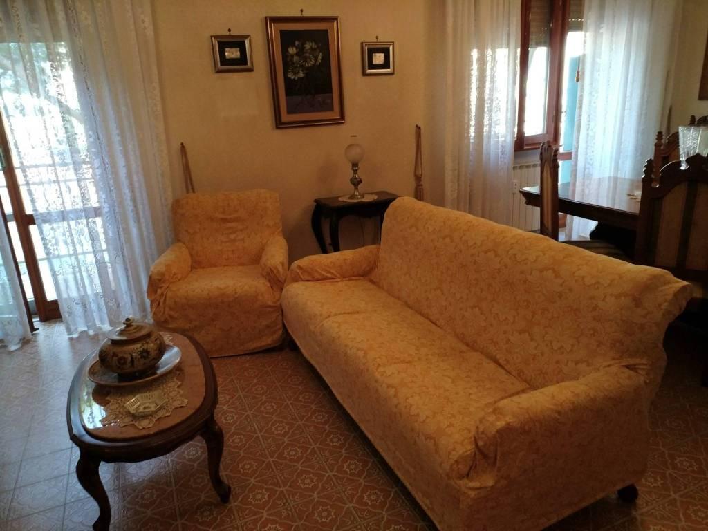 Appartamento da ristrutturare in vendita Rif. 8323913