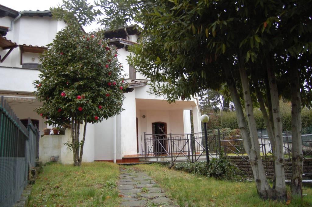 Villa in buone condizioni parzialmente arredato in vendita Rif. 8328038