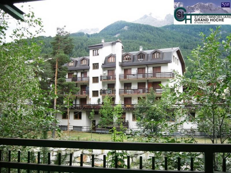 Appartamento in buone condizioni arredato in affitto Rif. 8323758