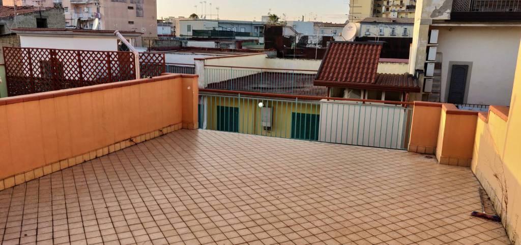 Appartamento in ottime condizioni in vendita Rif. 8328641