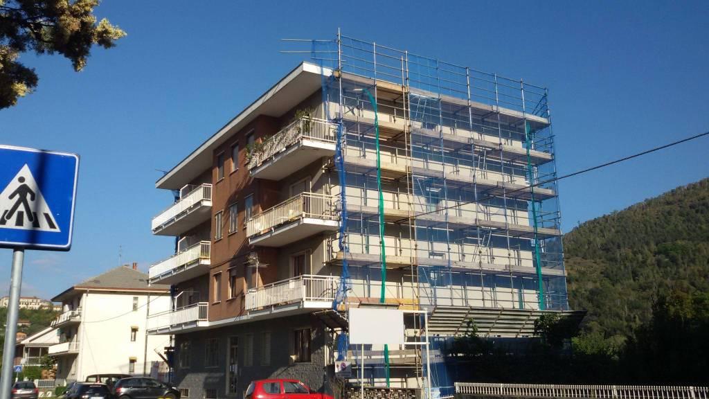 Appartamento in buone condizioni in vendita Rif. 8326780