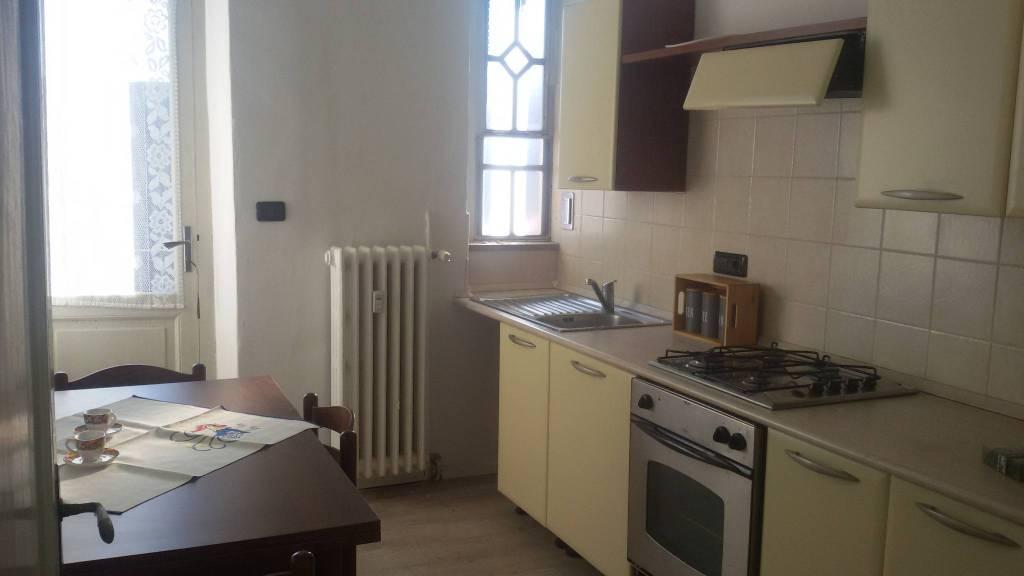 Appartamento in ottime condizioni arredato in affitto Rif. 8382113