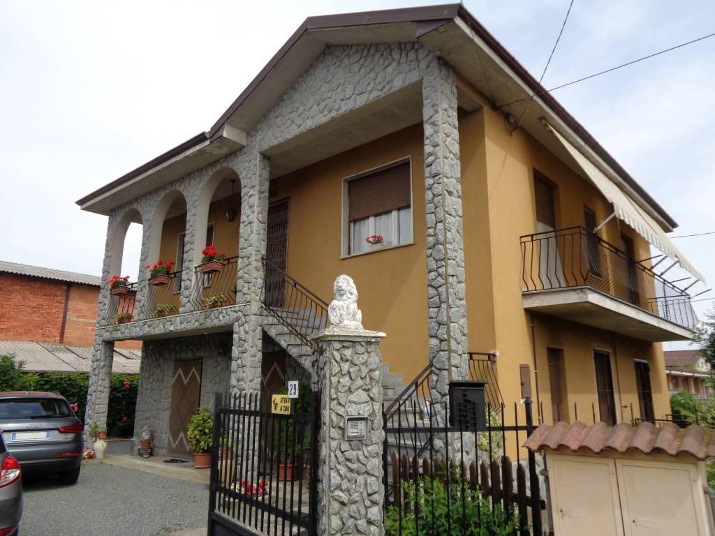 Villa in buone condizioni in vendita Rif. 8336928
