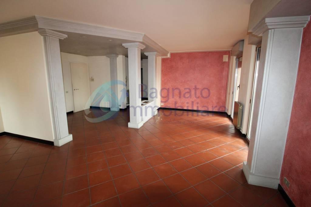 Attico / Mansarda in ottime condizioni parzialmente arredato in affitto Rif. 8324399