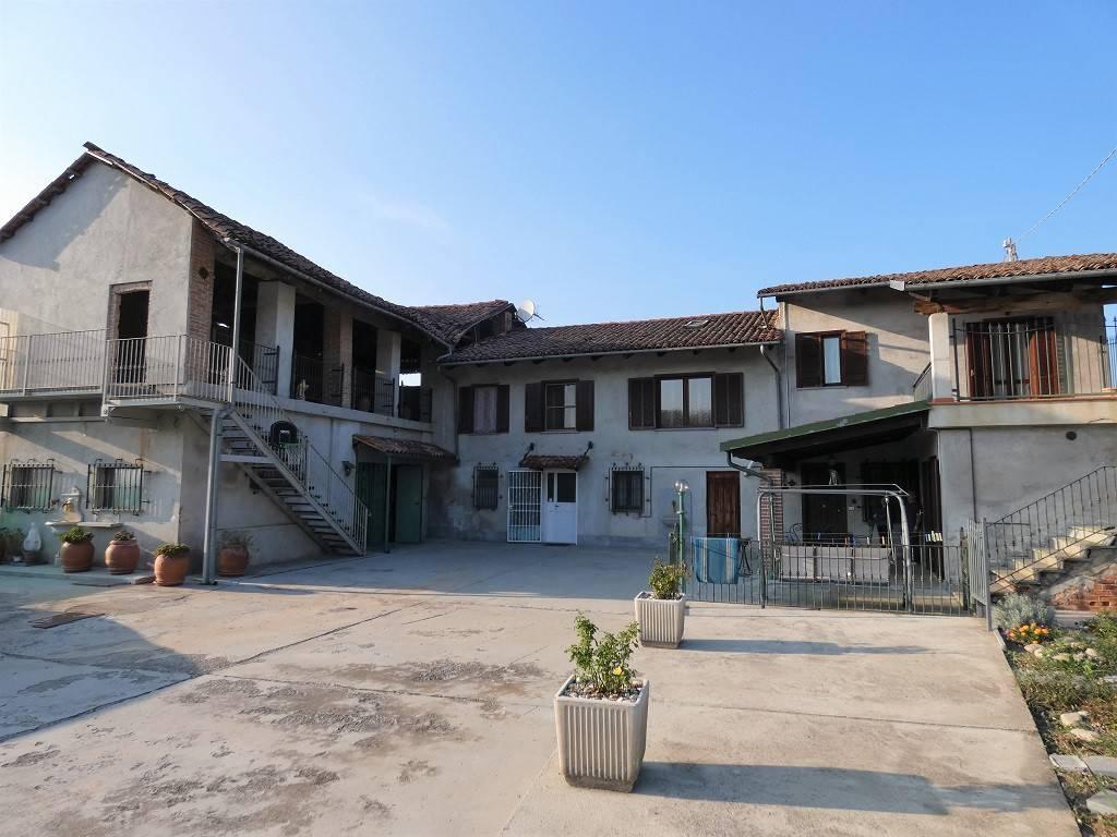 Villa in buone condizioni in vendita Rif. 8329976