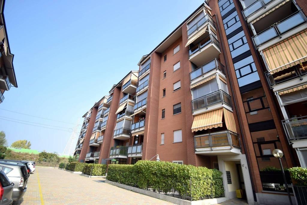 Appartamento in ottime condizioni in vendita Rif. 8914701