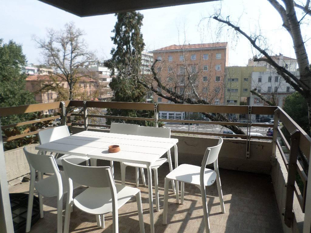 Appartamento in ottime condizioni parzialmente arredato in affitto Rif. 9146167