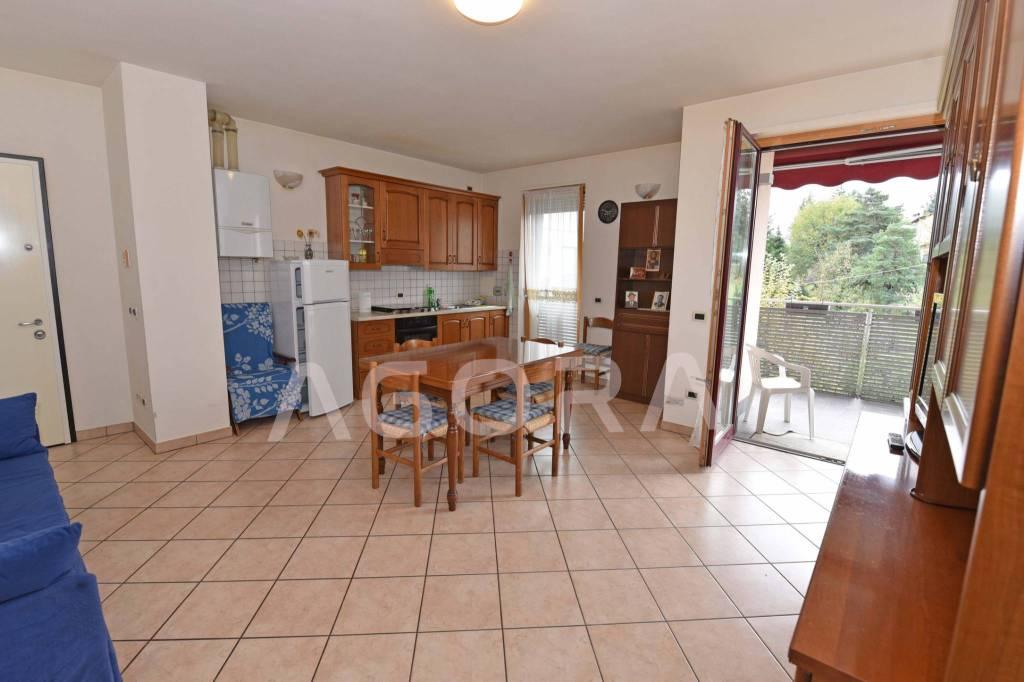 Appartamento parzialmente arredato in vendita Rif. 8326393