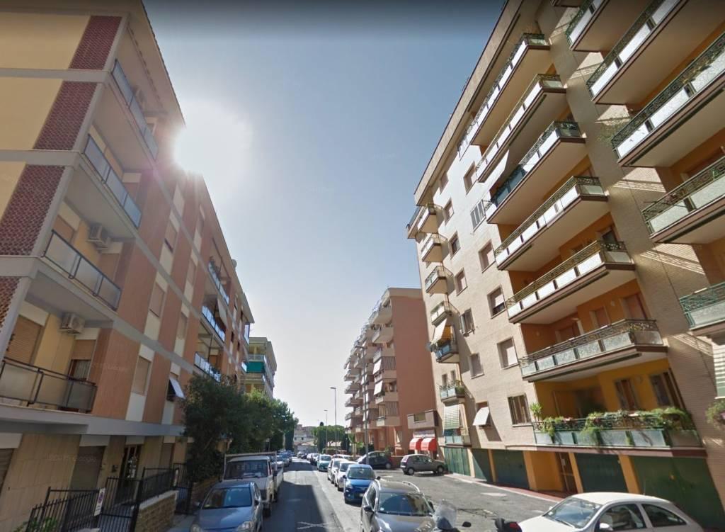 Appartamento da ristrutturare in vendita Rif. 8326979